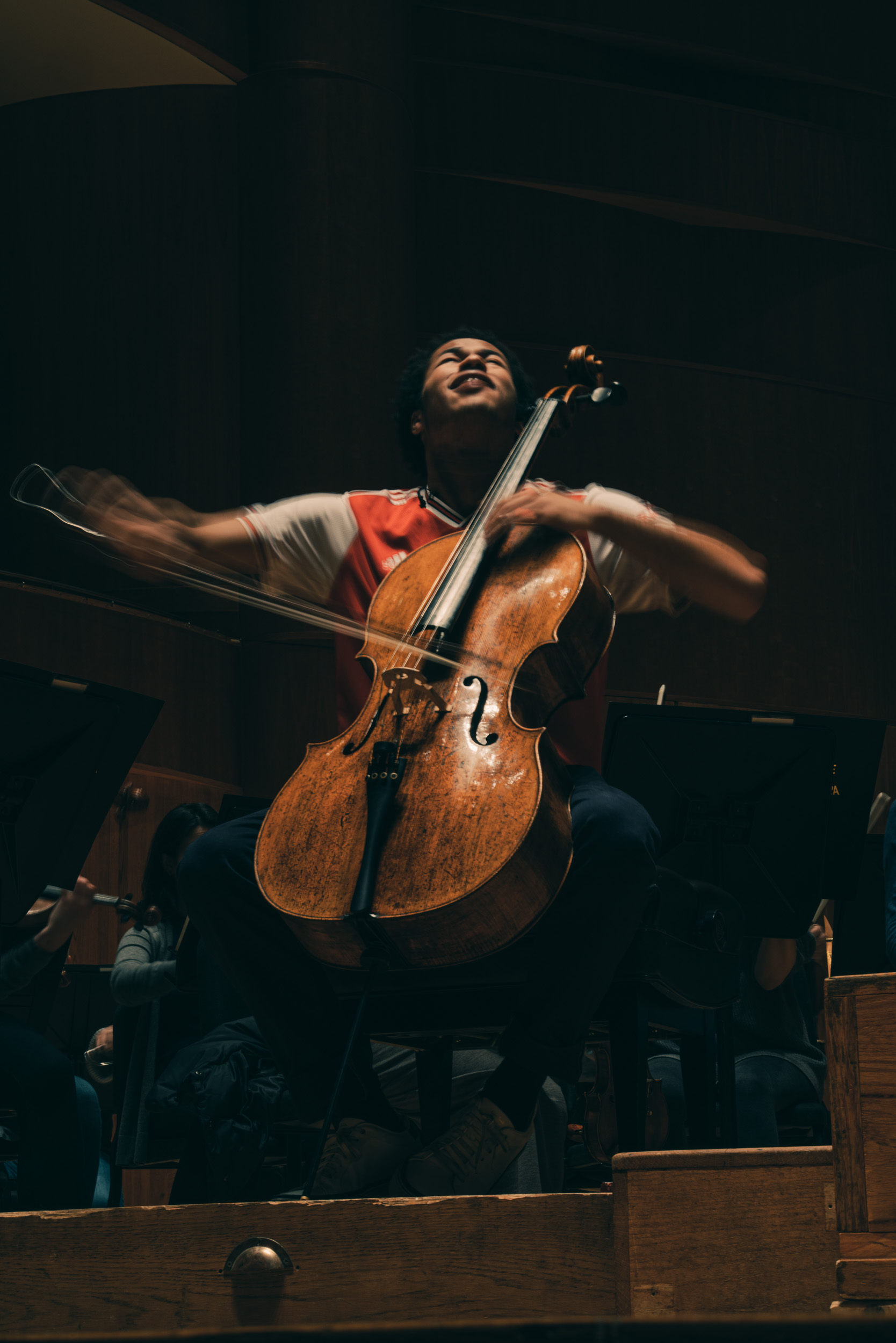 Sheku Kanneh-Mason, a famous cellist from London, rehearses with the Baltimore Symphony Orchestra