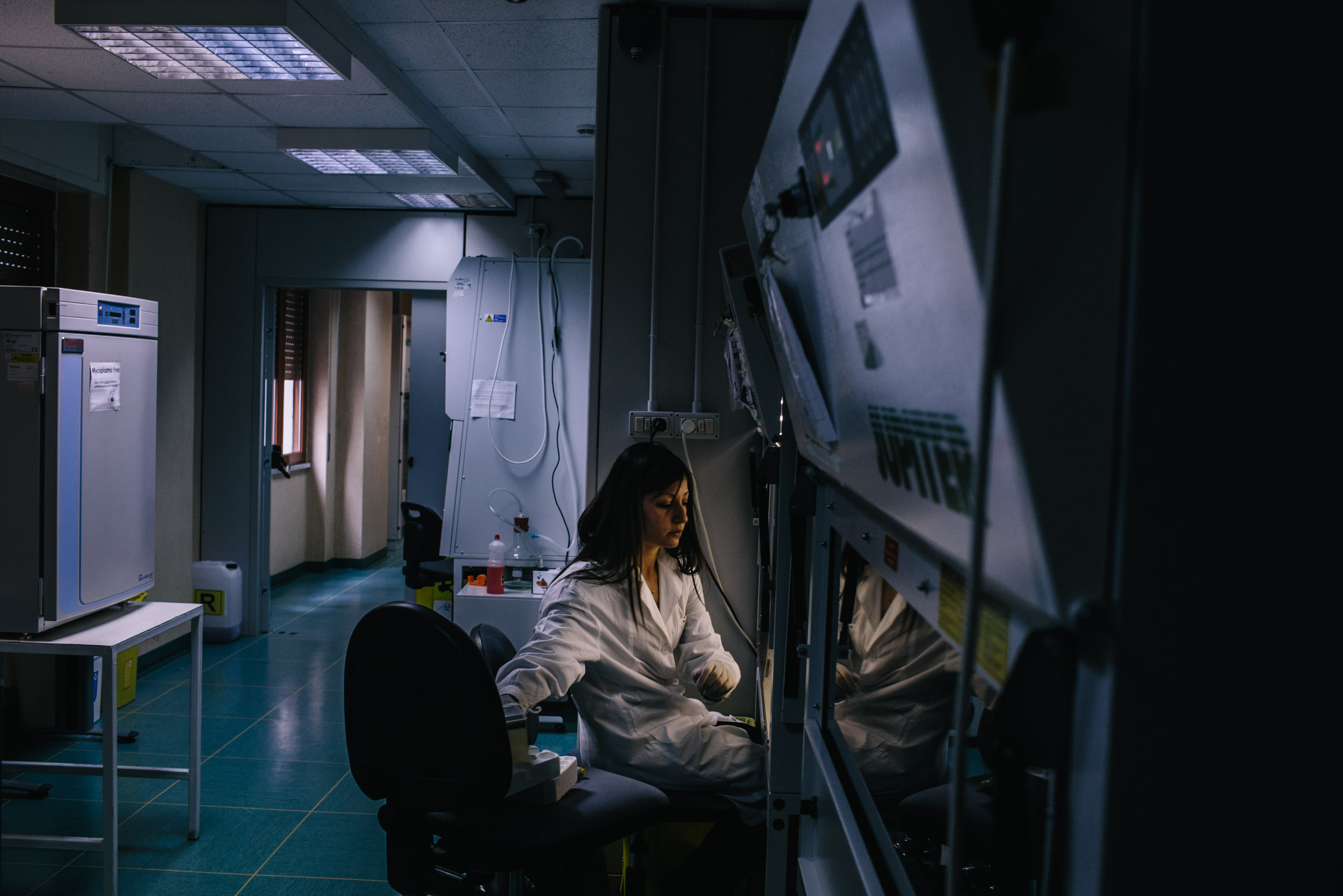 A technician at a cancer research lab in Mercogliano